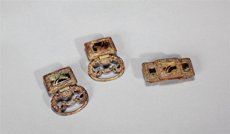 清 铜鎏金镶玛瑙带扣